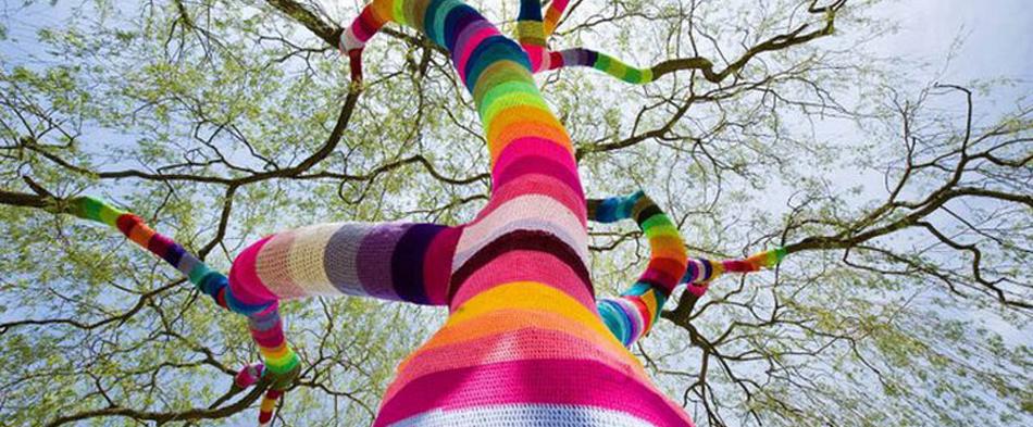 Knitting around tree