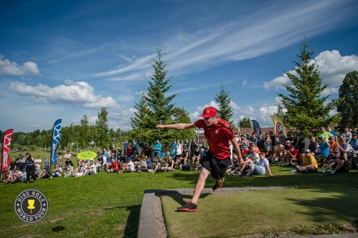 Simon Lizotte (photo source: Ultiworld Disc Golf)